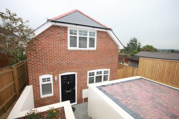 2 Bedrooms Detached House for sale in Forest View Road, Moordown, Bournemouth