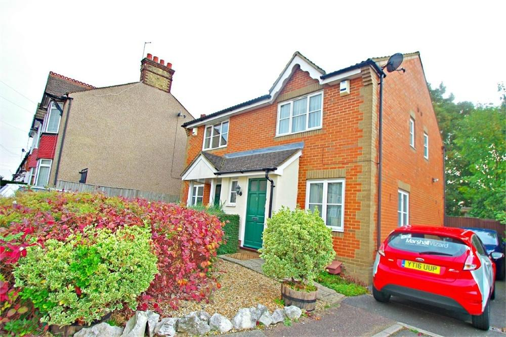 2 Bedrooms Semi Detached House for sale in Ellenbrook Close, WATFORD, Hertfordshire