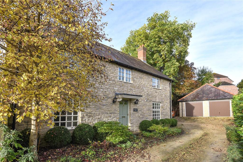 4 Bedrooms Detached House for sale in Dene Close, Longburton, Nr. Sherborne, Dorset