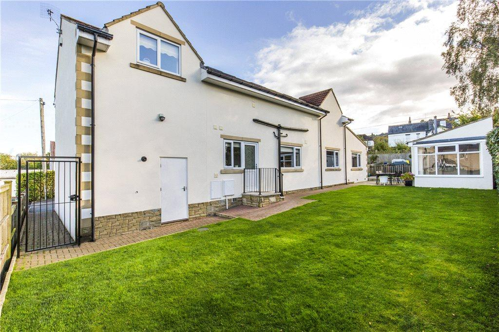 4 Bedrooms Detached House for sale in Craigmore Drive, Ilkley, West Yorkshire