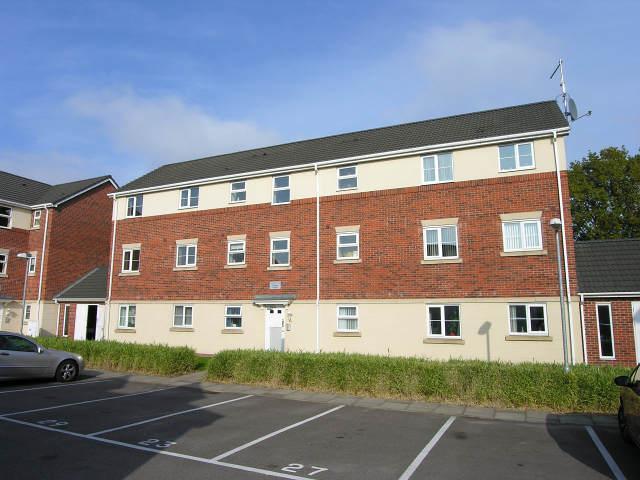 2 Bedrooms Ground Flat for sale in Flamingo Gardens,Erdington,Birmingham