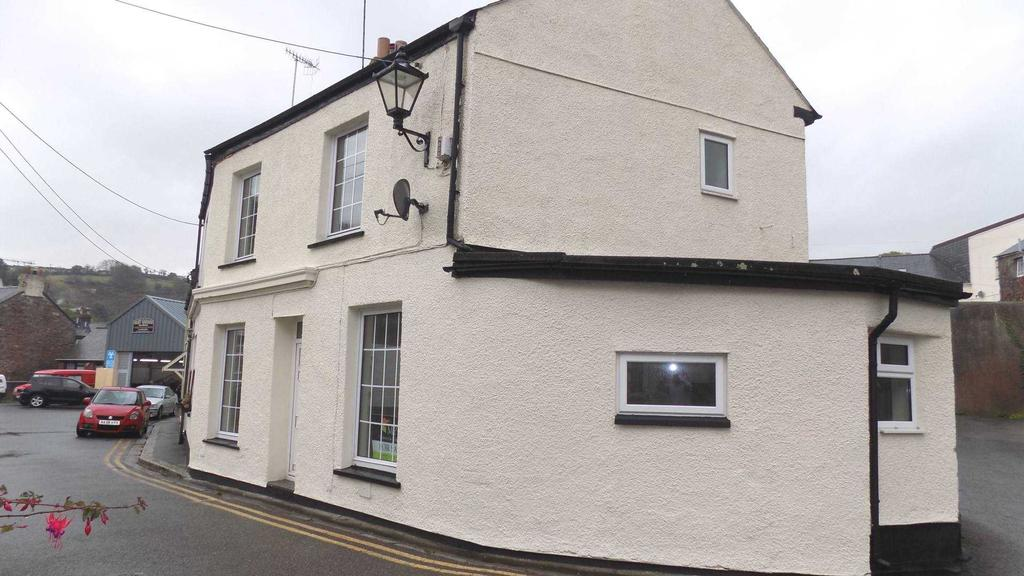 3 Bedrooms End Of Terrace House for sale in The Parade, Millbrook
