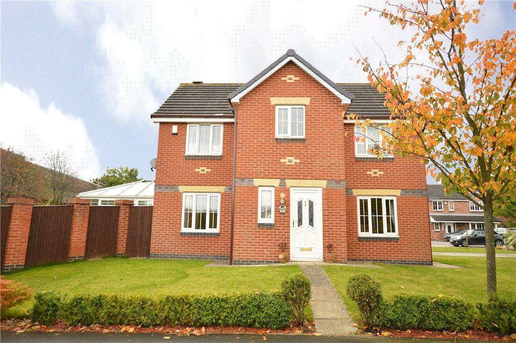 4 Bedrooms Detached House for sale in Higham Way, Garforth, Leeds, West Yorkshire