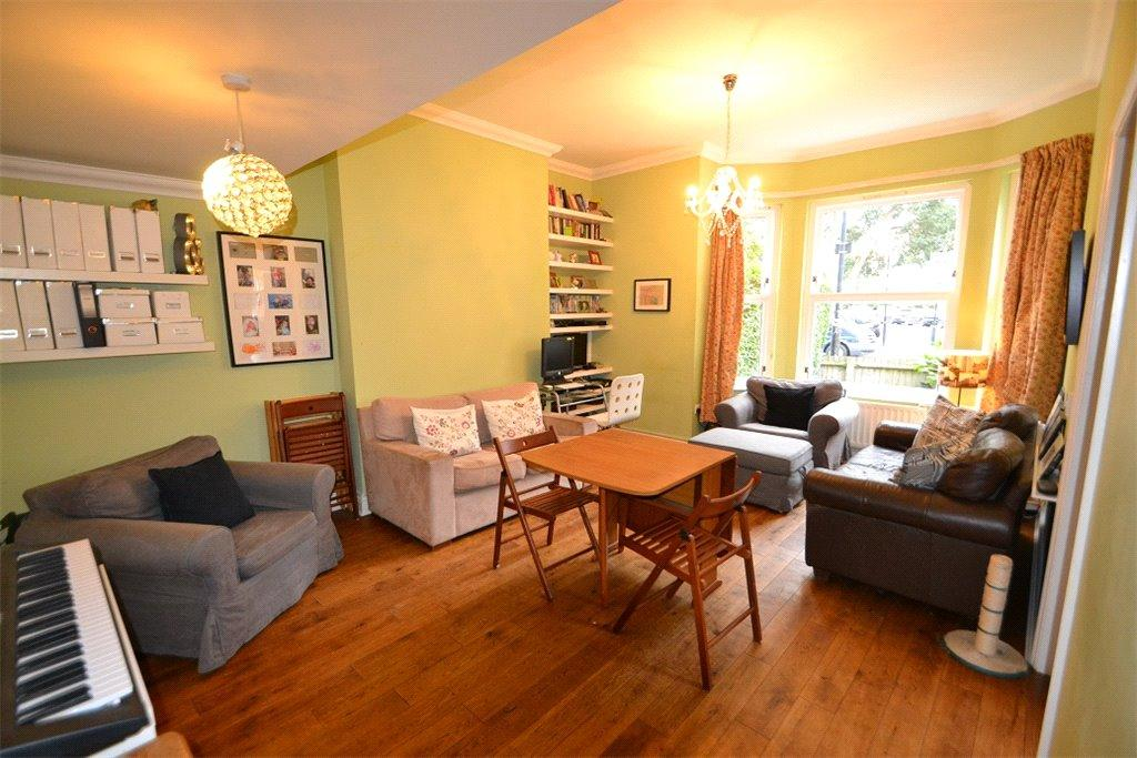 3 Bedrooms Flat for sale in Tufnell Park Road, Tufnell Park, London, N7