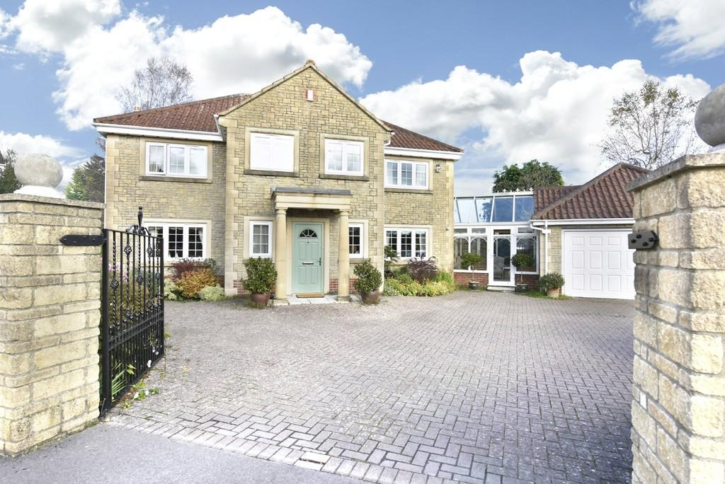 4 Bedrooms Detached House for sale in Chapmanslade, Wiltshire