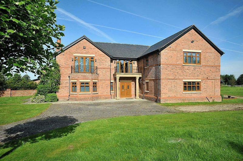 5 Bedrooms Detached House for sale in Merry Farm Drive, Plumley