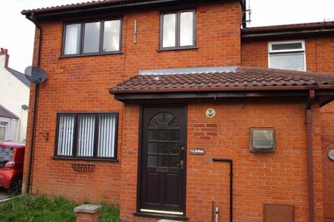 3 bedroom house to rent - The Oaks, LL14