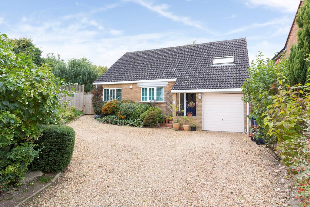 3 Bedrooms Chalet House for sale in Station Road, Steeple Morden, Royston, SG8