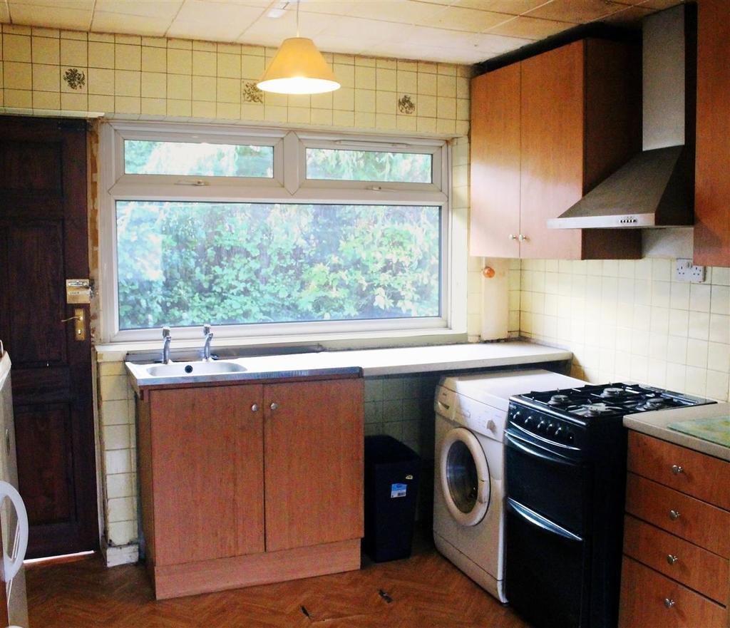 2 Bedrooms Detached Bungalow for sale in Pasturegate Avenue, Burnley