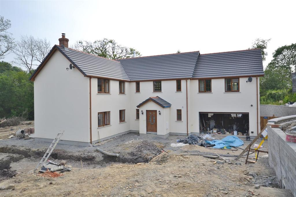 5 Bedrooms Detached House for sale in Narberth