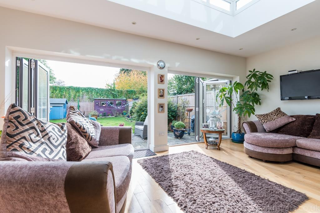 4 Bedrooms Semi Detached House for sale in Colyton Road East Dulwich SE22