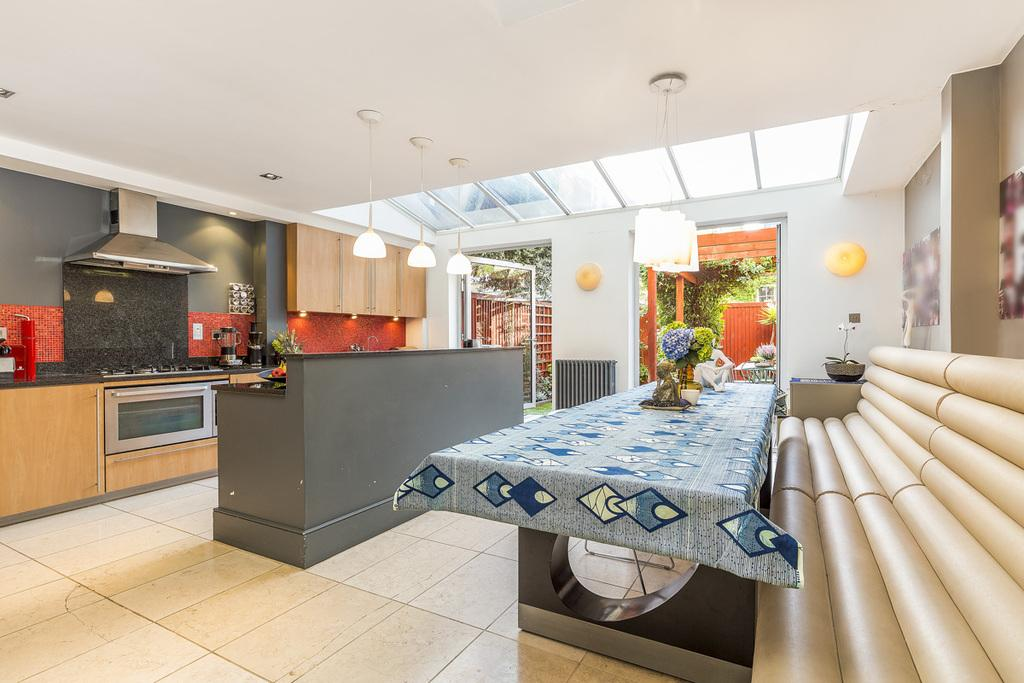5 Bedrooms Terraced House for sale in Agate Road, London, W6
