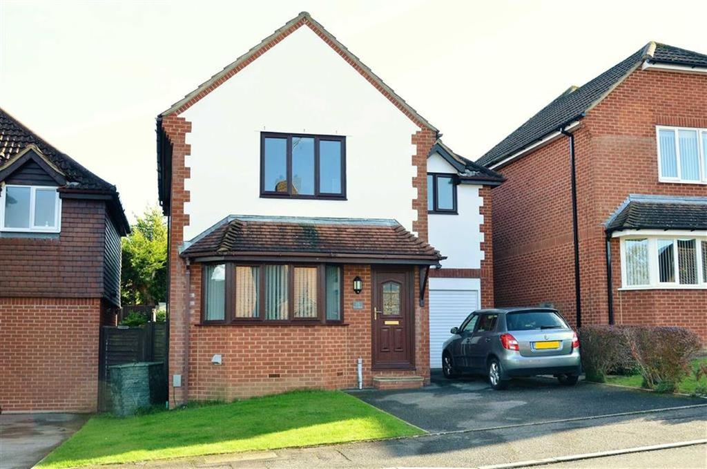 4 Bedrooms Detached House for sale in Saxonhurst Gardens, Bournemouth, Dorset, BH10