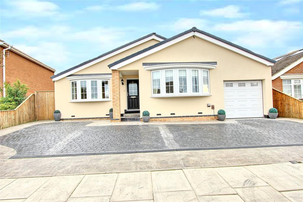 4 Bedrooms Detached House for sale in Woodlands Road, Normanby