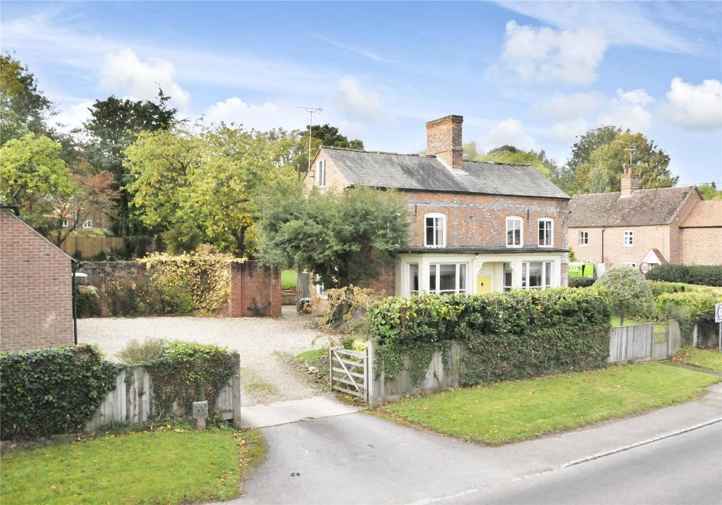 4 Bedrooms Detached House for sale in Newbury Road, Wickham, Newbury, Berkshire