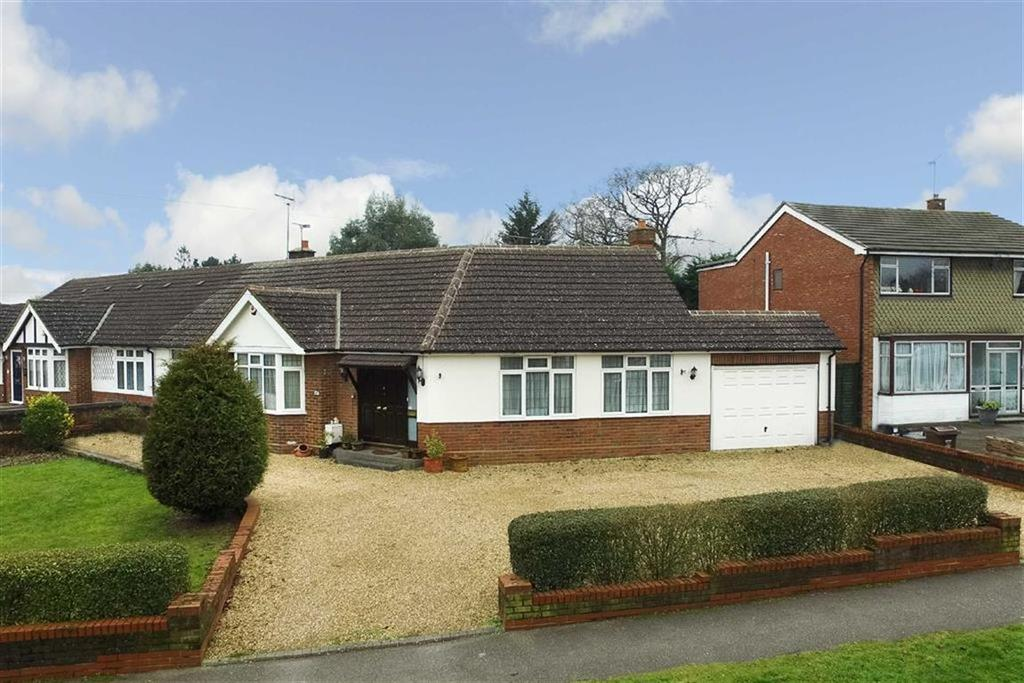 3 Bedrooms Semi Detached House for sale in Stanley Avenue, St Albans, Hertfordshire