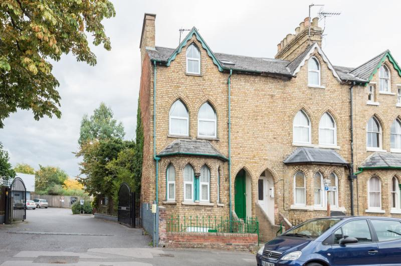4 Bedrooms Semi Detached House for sale in Marston Street, Oxford