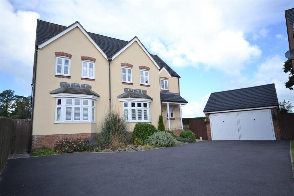 4 Bedrooms Detached House for sale in Cefn Maes, St. Clears