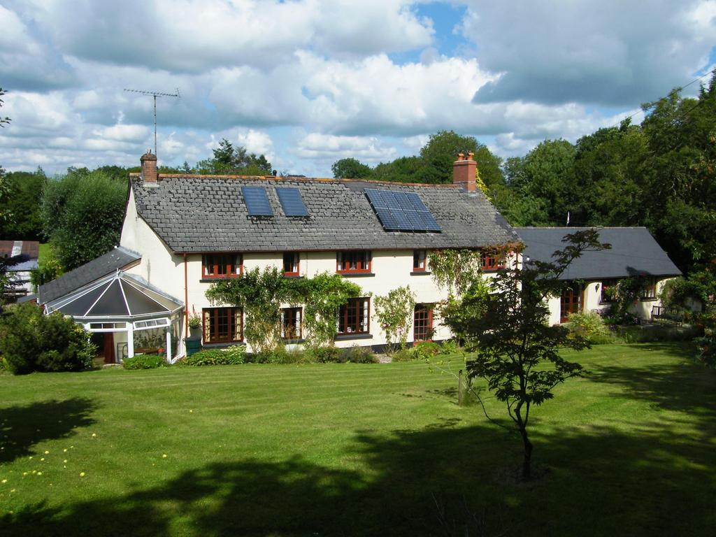 4 Bedrooms Detached House for sale in Alswear, South Molton
