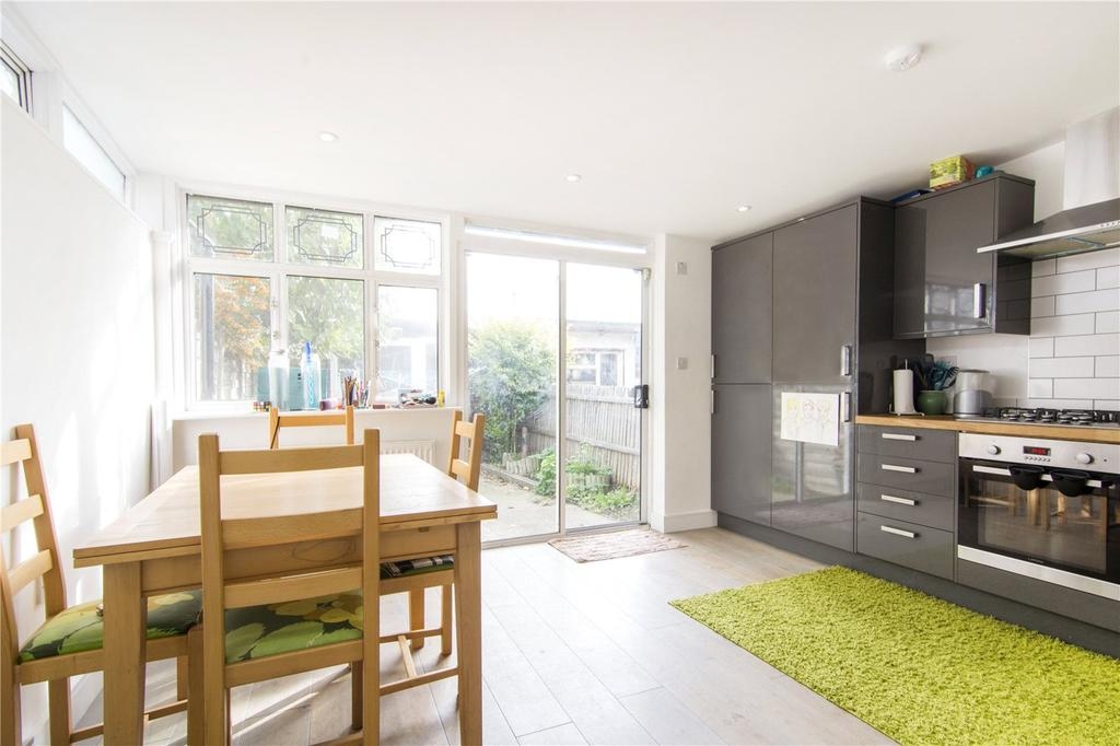 2 Bedrooms Terraced House for sale in Corporation Street, London, E15