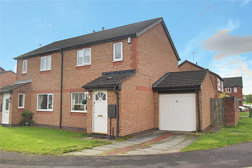 3 Bedrooms Semi Detached House for sale in Florence Court, Ingleby Barwick