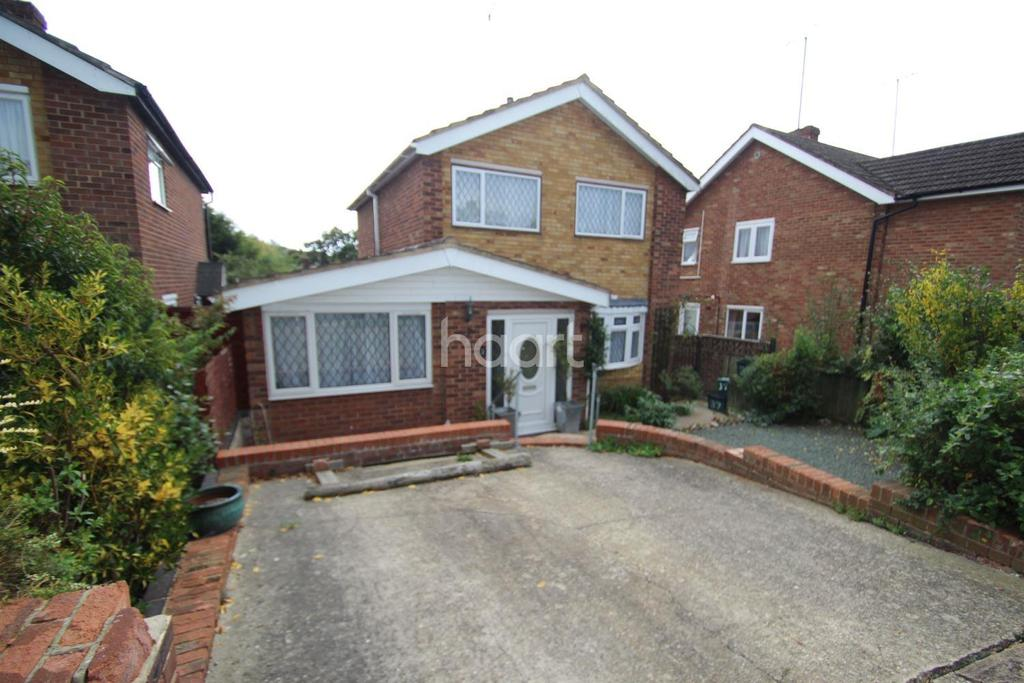 4 Bedrooms Detached House for sale in Wesley Avenue, Colchester, CO4