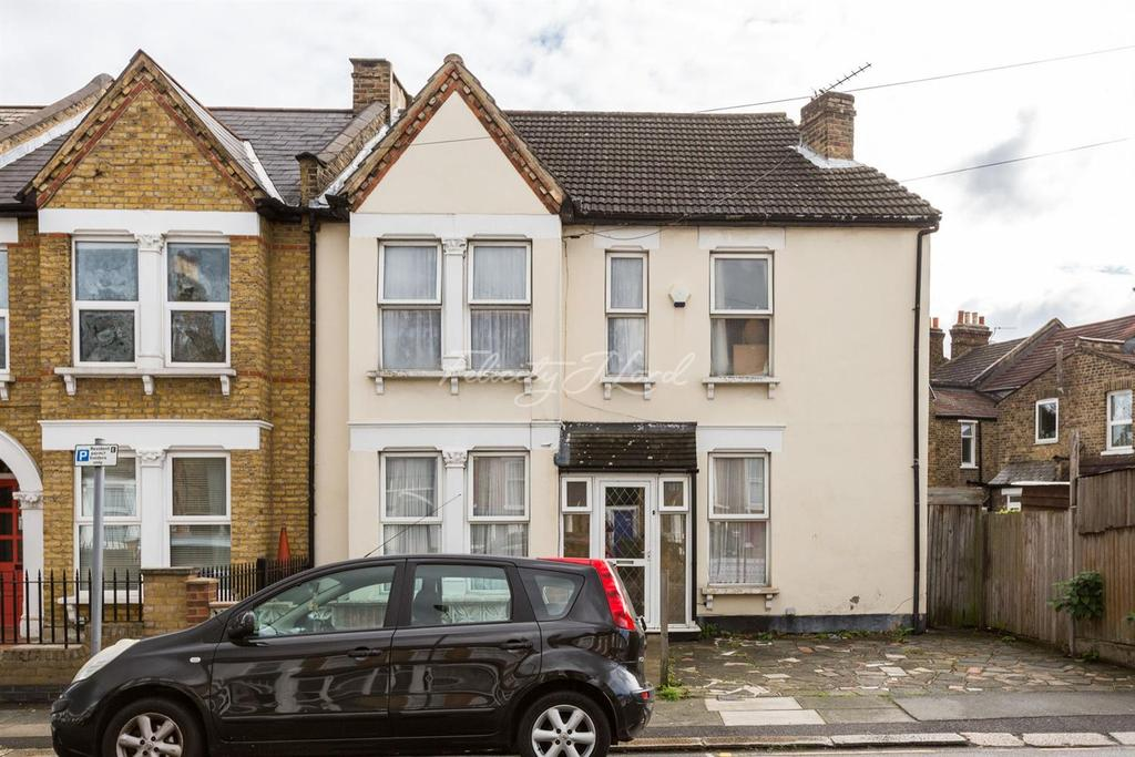 3 Bedrooms Semi Detached House for sale in Albacore Crescent, SE13