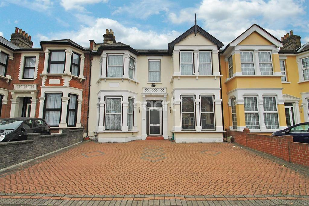 6 Bedrooms Terraced House for sale in Kensington Gardens, Ilford, Essex