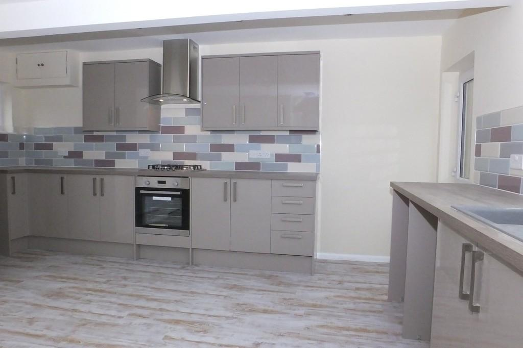 3 Bedrooms End Of Terrace House for sale in Avening