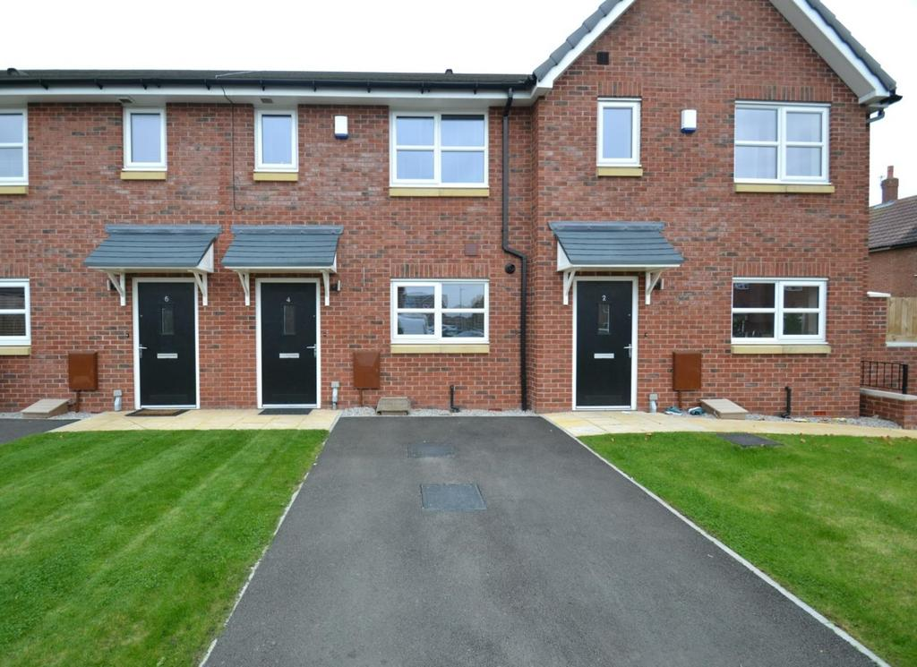 2 Bedrooms Terraced House for sale in Marsworth Close, Northern Moor, Manchester