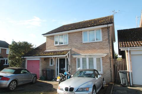 4 bedroom detached house to rent - Spenlow Drive, Chelmsford