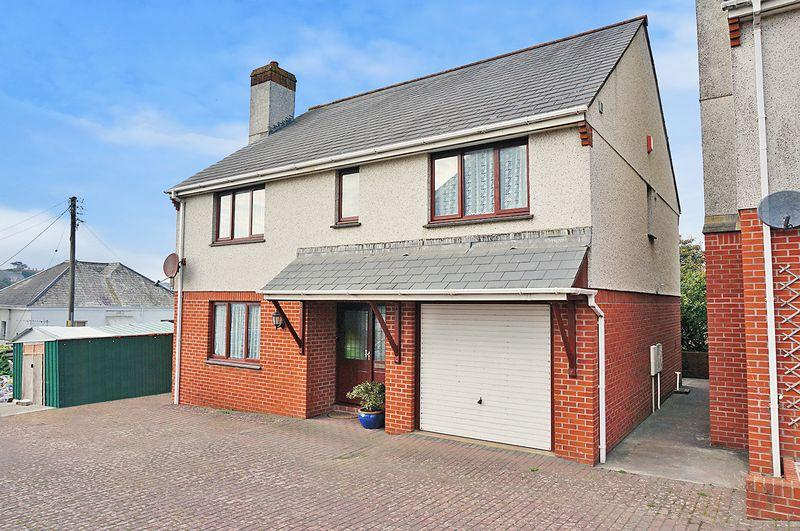 4 Bedrooms Detached House for sale in Pathfields, Bude