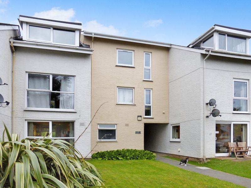 2 Bedrooms Flat for sale in Y Felinheli