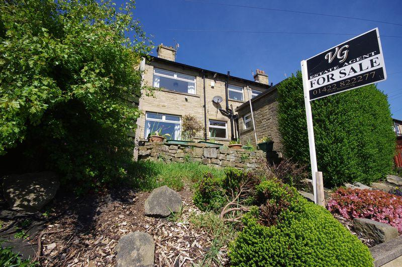 3 Bedrooms Terraced House for sale in 24 Brig Royd, Ripponden, HX6 4AN