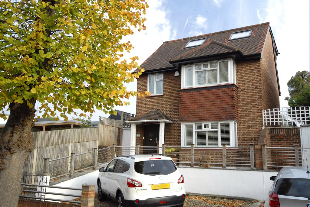 5 Bedrooms Detached House for sale in Barry Road