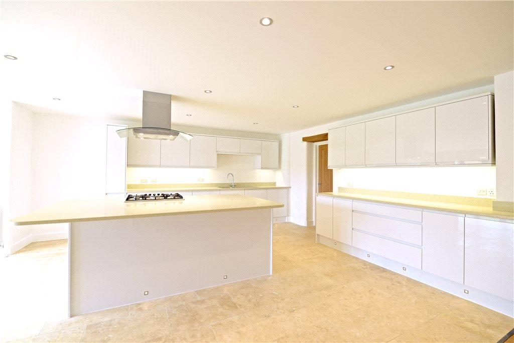 5 Bedrooms Detached House for sale in Flax Yard, Oakridge Park, Milton Keynes, Buckinghamshire