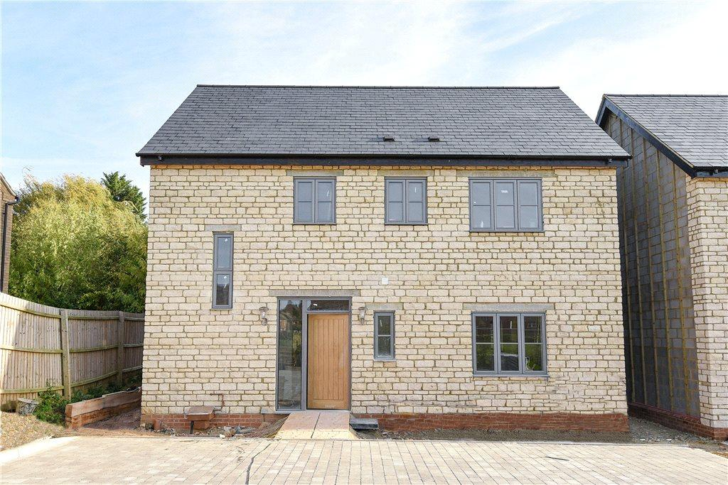 4 Bedrooms Detached House for sale in Flax Yard, Oakridge Park, Milton Keynes, Buckinghamshire