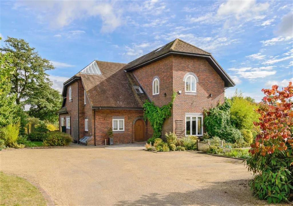 Detached House for sale in Galley Lane, Arkley, Herts, EN5