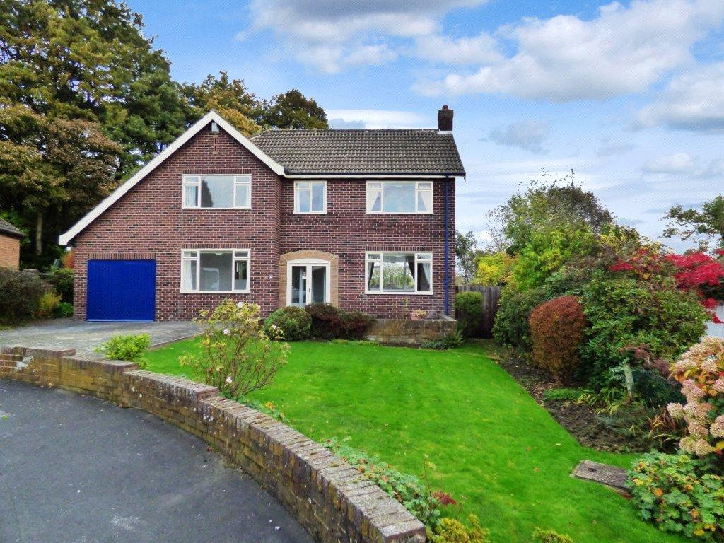 4 Bedrooms Detached House for rent in Dunstarn Gardens, Leeds, West Yorkshire