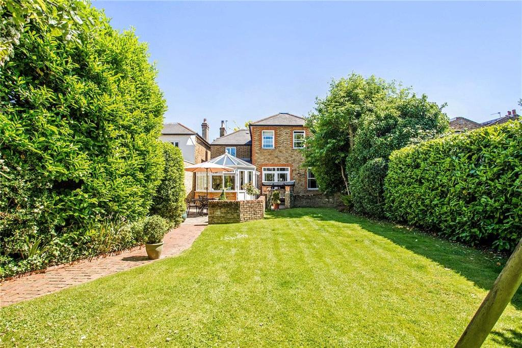5 Bedrooms Detached House for sale in Park Road, East Molesey, Surrey, KT8