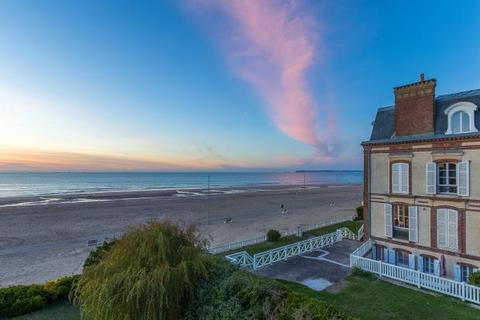2 bedroom apartment  - Apartment In 19th Century Villa, Trouville-Sur-Mer, Calvados