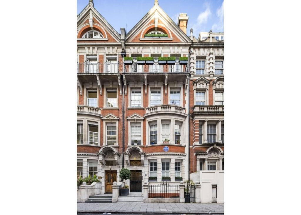 3 Bedrooms Maisonette Flat for sale in Dunraven Street, Mayfair, London, W1K
