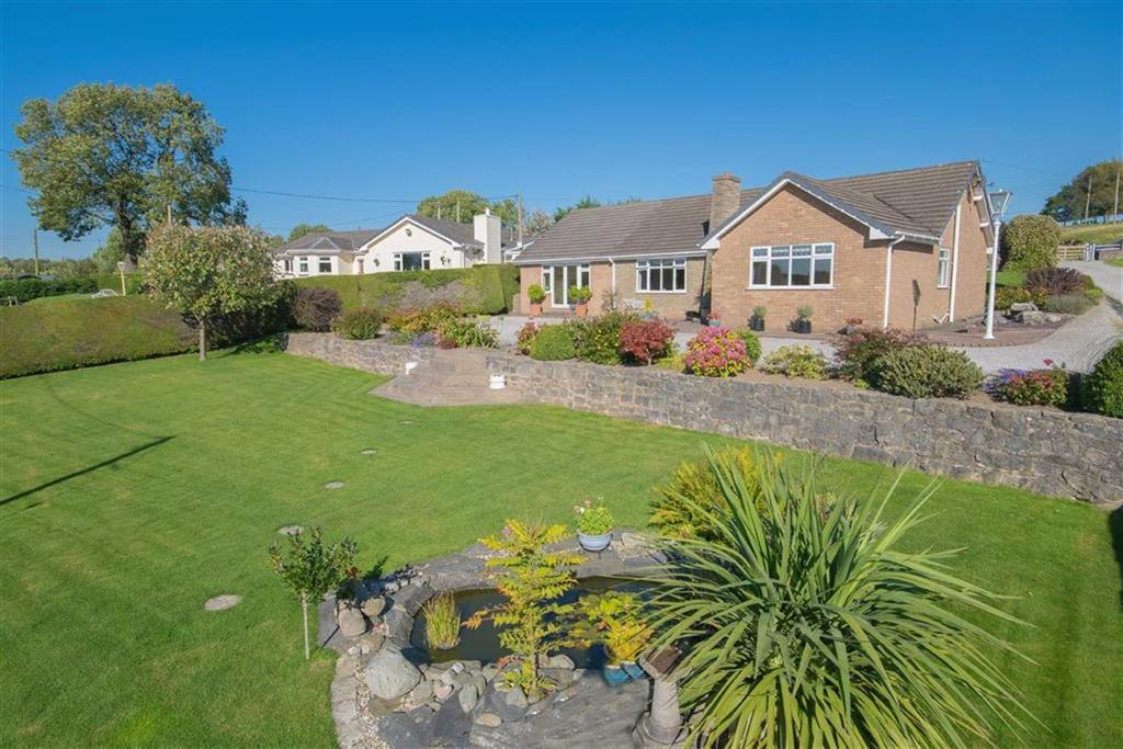 4 Bedrooms Detached Bungalow for sale in Rhes y Cae, Holywell