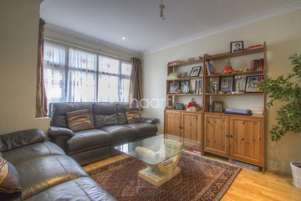 3 Bedrooms Semi Detached House for sale in Morley Crescent East, Stanmore, HA7