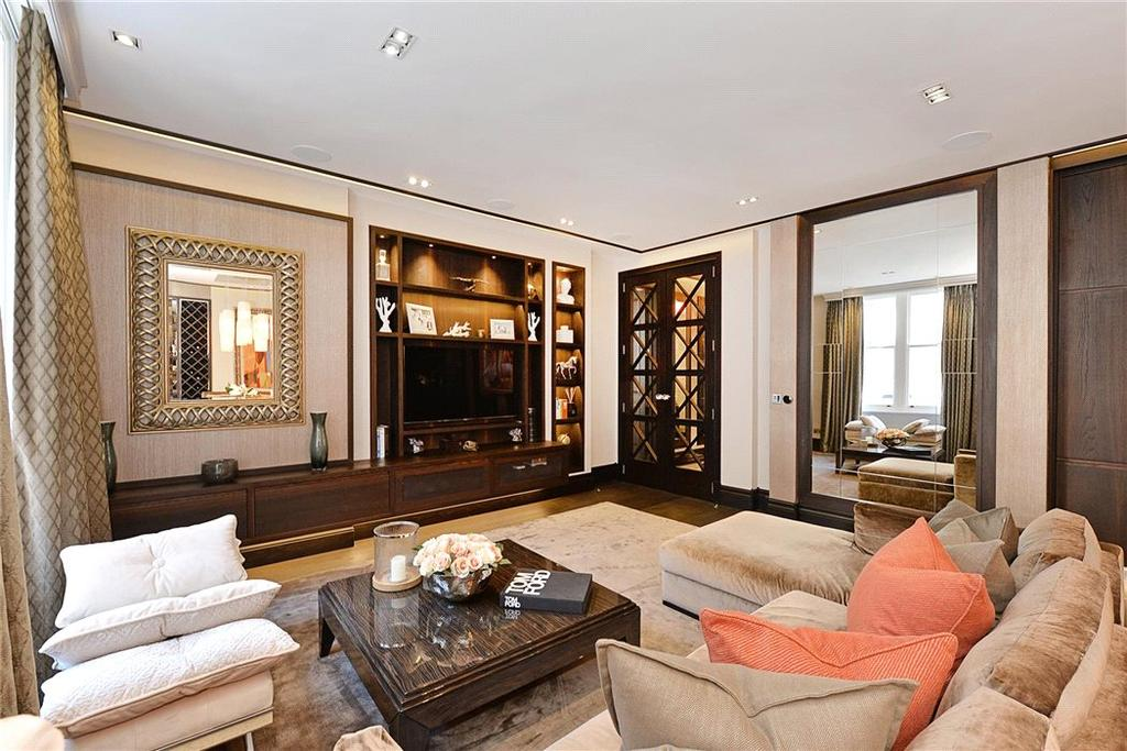 2 Bedrooms Flat for sale in Dover Street, Mayfair, London, W1S