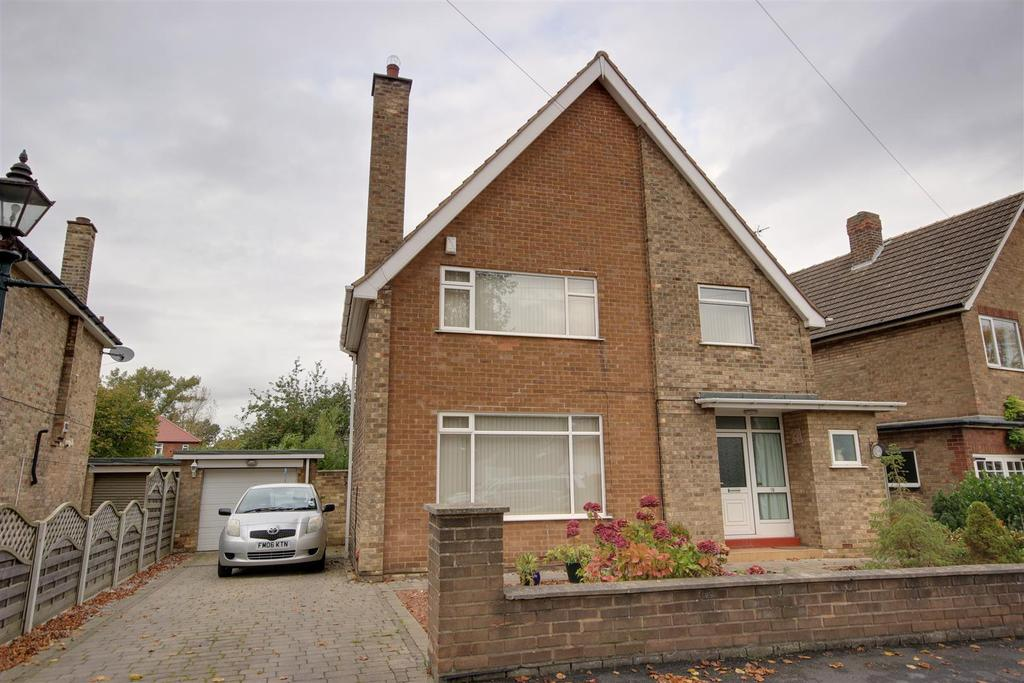 3 Bedrooms Detached House for sale in The Vale, Kirk Ella