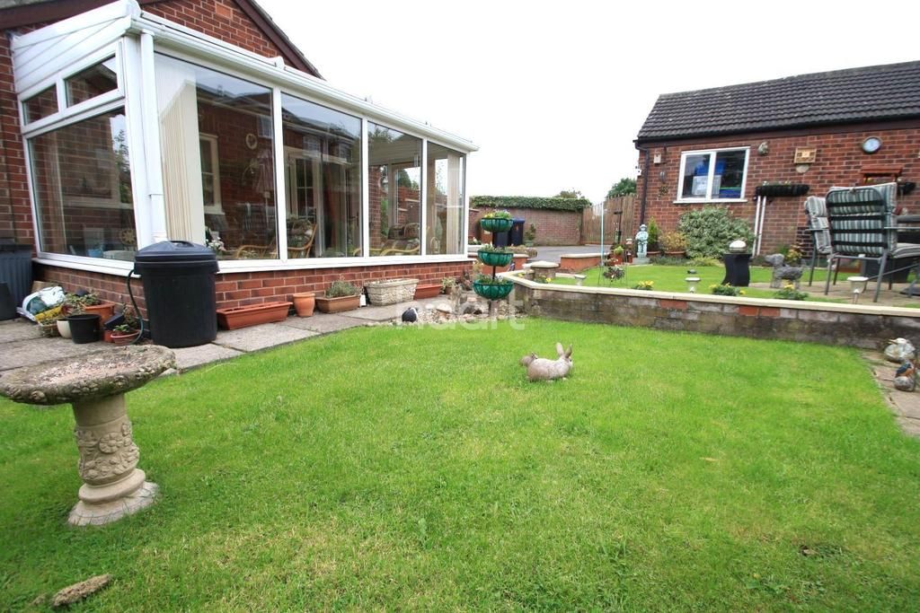 2 Bedrooms Bungalow for sale in Masefield Close, Barwell