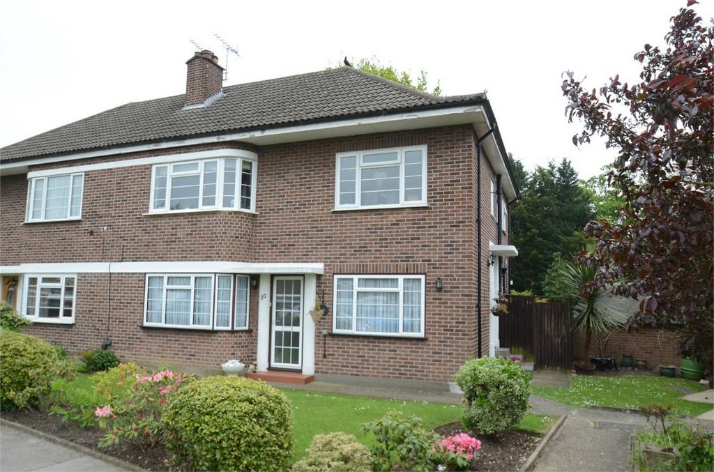 2 Bedrooms Maisonette Flat for sale in Lyconby Gardens, Shirley, Croydon