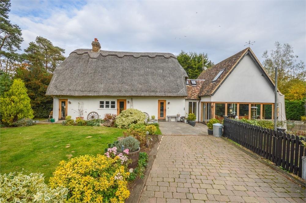3 Bedrooms Detached House for sale in Ugley Green, BISHOP'S STORTFORD, Herts