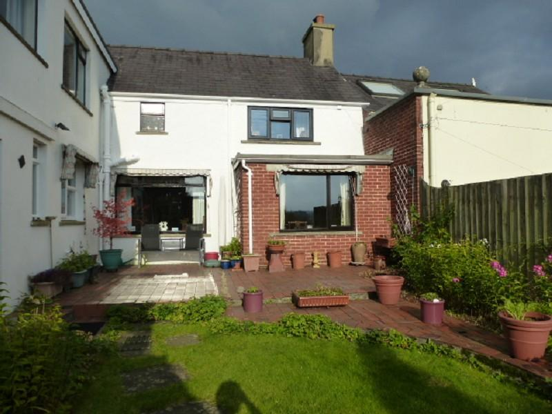 4 Bedrooms Terraced House for sale in Quay Street, Llandeilo, Carmarthenshire.